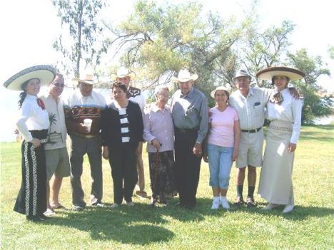 Foto del recuerdo de la fiesta de la familia Aguiñiga Duarte
