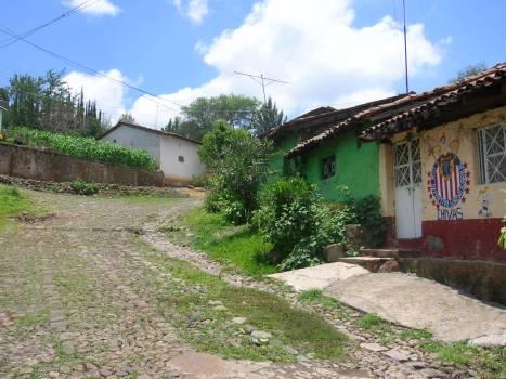 En Los Guanumos 3, fin de la calzada del centro, rumbo a Los Guanumos