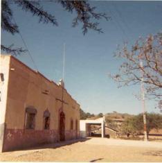 Vieja escuela, jefatura, casita de don José Sepúlveda y antena
