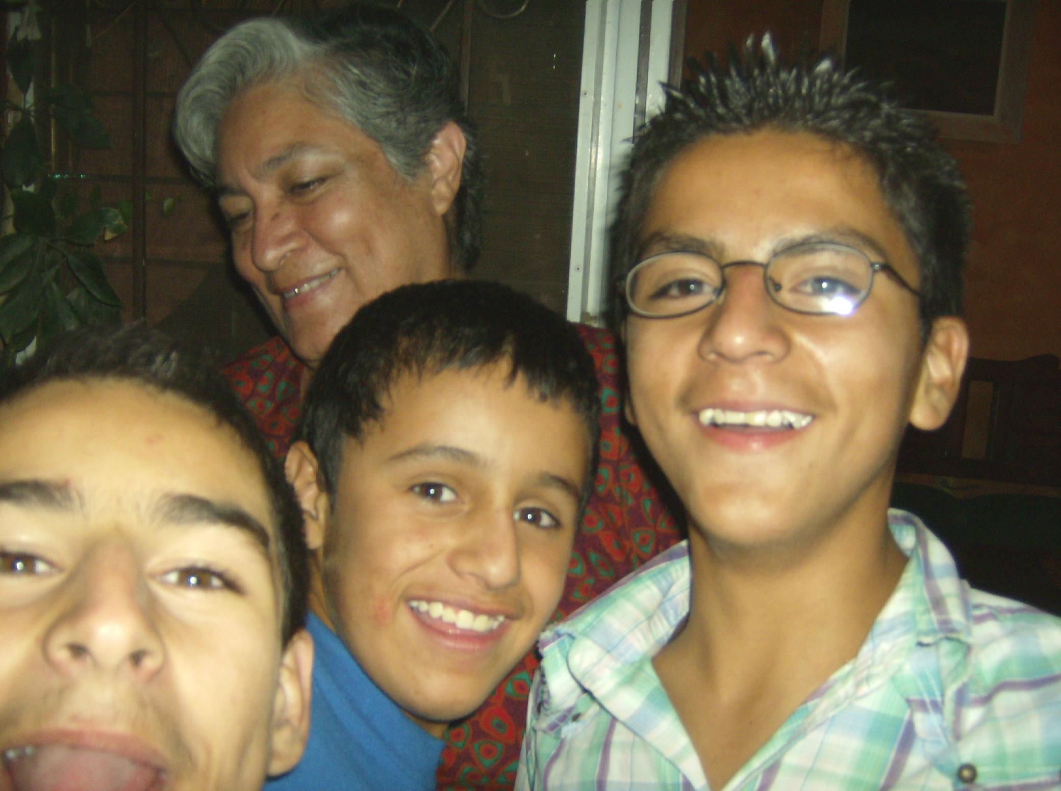 La Piedad Lupita Sonríe Ante Niños Que Le Cantaron Las Mañanitas