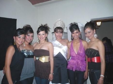 Bellas muchachas de Penjamillo, con la Señorita Fiestas Patrias ...