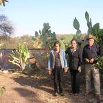 Coca, Petrita, Amado, en el huerto