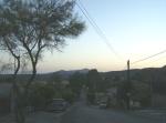 Ziquítaro, calles y paisajes, 12.Mañanita del día 12, alfondo el Cerro de Epejan