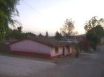 Ziquítaro, calles y paisajes. 8. Mañanita del día 12, La casa rosada, bañada de luz mañnera