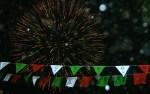 Explosión de colores durante peregrinación la víspera, de los de El Mirador