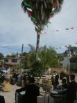 En Ziquítaro y frente al atrio, la banda de música de Ichán, pueblo de artistas (hay según parece, unos doce conjuntos musicales)