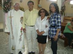 Padre Sotero Fernández, acompañado de amables amistades de Ziquítaro