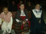 Niños con sus vistosos, coloridos trajecitos típicos, durante la misa el día once, cuando tocó la últilma peregrinación a los de El Mirador, comunidad cercana de Ziquítaro