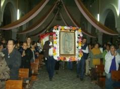 La imágen peregrina de la Guadalupana, llega a su templo en Ziquítaro