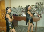 Celebración central, 1. Muchachas danzantes
