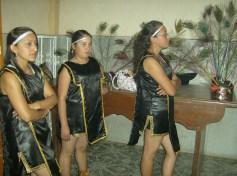 Celebración central, 7. Muchachas danzantes, en misa