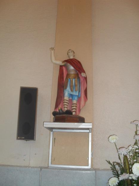 La celebración, 82. San Expedito, la imagen más antigua, tal vez, en el templo.